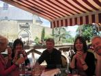 Le Barbacane, Montreuil Bellay: popular bistro overlooking the charming Chateau de Montreuil Bellay