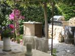 BBQ and dining  area at Bastide 2