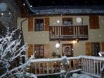 Chalet Hirondelle sleeps 7 free wifi smart tv