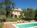Detached villa with private pool 90 kms from Rome