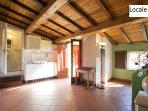 Studio with private garden, 4 km from the sea