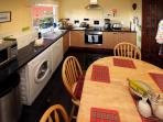 Fantastically equipped kitchen, diner