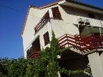 Apartment for 4 persons near the beach in Murter