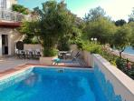 Villa with swimming pool few steps from the sea