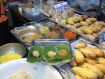 Have a Thai breakfast of sticky rice and custard