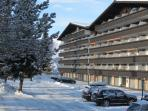 South facing apartment situated on the top floor. ideal location for skiing and summer holidays