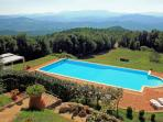 Hilltop Tuscan villa situated between Siena and Pisa, stunning views, geogeous pool and garden, sleeps 12