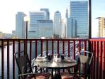 2 bedroom flat in Canary Wharf with harbour view