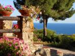 Rustic Tuscan seaside retreat for rent, boasts breathtaking views, easy beach access and large private garden
