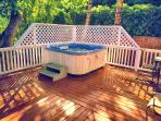 Huge deck with hot tub