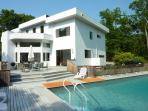 4BR/3Bth contemporary house located in the Springs