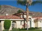 Bright Views , Great Location &  55ft Pool