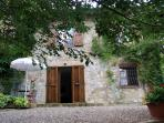 Delightful holiday house at the edge of Tuscan village of Casciano di Murlo, features private garden, terrace and pool