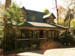 Luxury mountain vacation rental in Highlands, NC.  Lake access with Kayaks! Perfect for families and groups, Sleeps 6
