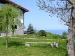 MOTE cottage-house, caserio.