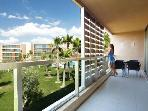 Luxury 3 bed Baby friendly Apartment Walk to Beach