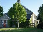 Welsh farmhouse for 8, wifi, games room, BBQ, dogs
