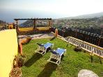 Cottage with sea views Calheta