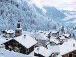 Discover the traditional villages of the Aravis, 30 mins away, a paradise for skiers & snow boarders