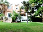 Golf and luxury 1km from beach