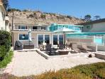 Beach House with GREAT Patio Right on the Sand! Sleeps 9 to 15 (087L)