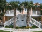 Neptune Villa, Steps to Beach All Comforts of Home