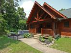 Beautiful Hocking Hills 8 bedroom lodge