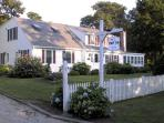 Bed and Breakfast and Cottage Colony Inn