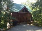 Bear Ridge Luxury 2 Bedroom Cabin