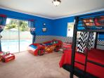 Wonderland Home! With Disney-Themed Rooms! Pool and Spa, See the Fireworks!
