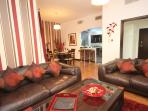 Stylish and contemporary apartment sleeps 6