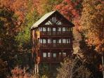Majestic Mtn. Paradise, 3 Private Covered Decks, Loft Game Room, Sleeps 12