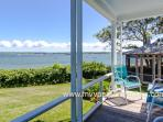 DAVIH - Outer Harbor Waterfront, Private Sandy Beach, Lush Gardens and Large Yard, Magnificent Waterviews