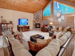 Stunning 5BD Mountain Home! 4.5 acres*Chef's Kitchen*Hot Tub*Pricing Includ17