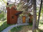 Goldenbar Cottage 123 - Ski-in/out From Main Lift, Sleeps 6, WIFI