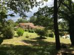 Close to the historic Tuscan town of Radicondoli, 2 bedroom farmhouse with pool access and bicycles available