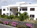 Royal Ho Residence with swimming pool & Wifi free