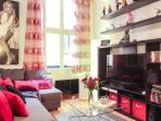 Wonderfully located 2 bedroom apartment in Nice Old Town, sleeps up to 6
