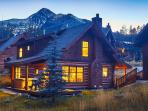 Great Rates on Ski-in, Ski-out Powder Ridge Cabin