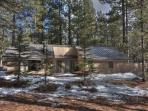 Pine Mountain 8 - Single Level, 2 BR Home near Fort Rock Park, Walk your Dog