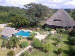 2 bedroom house close to beach and golf (500-700m)