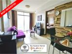 Modern and Highly Reviewed Vacation Condo in Makat