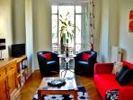 Fleurs, charming, central and affordable apartment