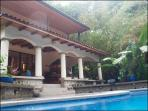 House of Dancing Monkeys! Private Luxury with Pool