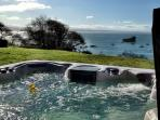 Treasure Cove~Ocean Views From The Hot Tub, In Town, Walk to Beach, Dogs too