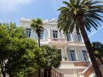 Modern Palace for 10 guestst 10 min from Cannes