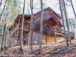 THE GREAT ESCAPE- 3 BR/3BA, SLEEPS 9, WOOD BURNING FIREPLACE, HOT TUB, PING PONG, WIFI, MOVIE ROOM, CHARCOAL GRILL, $140 A NIGHT!