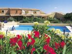 Charming house in Saint-Pierre-la-Mer, Langdoc-Roussillon, w/terrace, shared pool – 500m from beach!