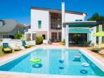 Spectacular Villa with private swimming pool 1 Km from the beach of Miramar
