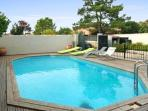 Spacious villa with swimming pool